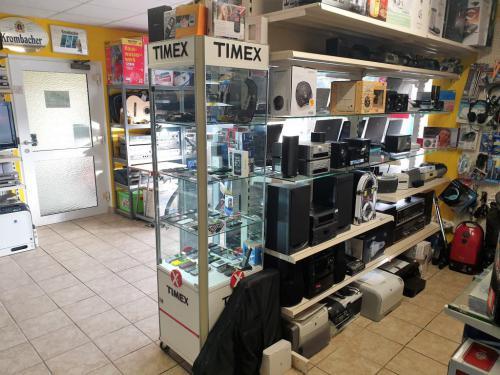 3 Laden Eingangsbereich